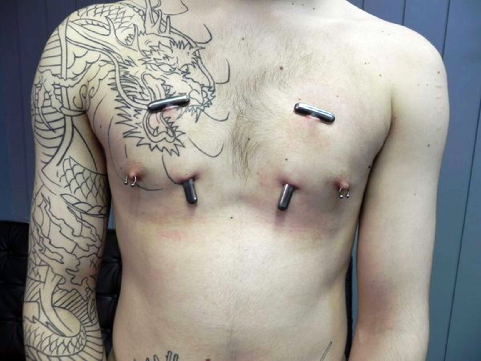 PAY-Extreme-body-art (2)