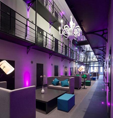 prison-hotel