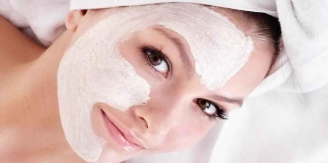22396.recette-beaute-un-masque-visage-special-peau-seche.w_1280.h_720.m_zoom.c_middle.ts_1380186963.