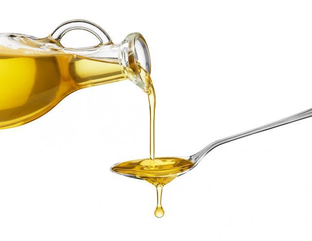 Une_cuillère_d'huile_d'olive_au_réveil