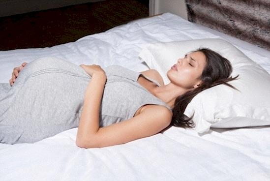 Grossesse: est-il prfrable de dormir sur le ct?
