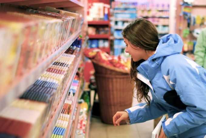 economiser-faisant-courses-astuces-rusees-produit-bas-rayon