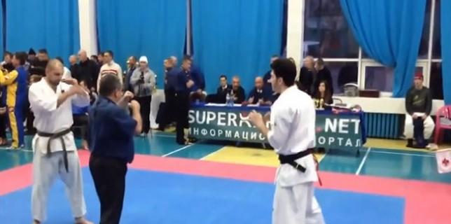 combat-de-karate-qui-se-finit-apres-3-secondes-seulement